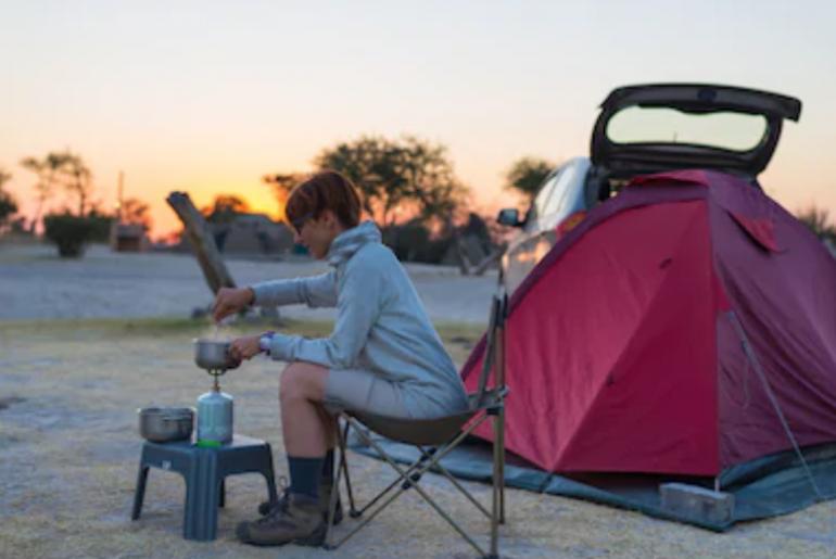 Bombole e materiale da campeggio